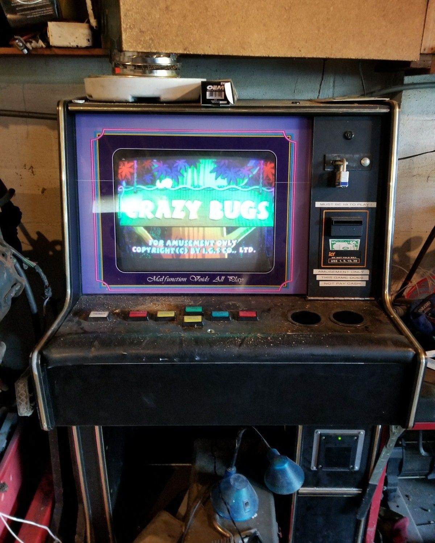 Crazy Bugs Slot Machine