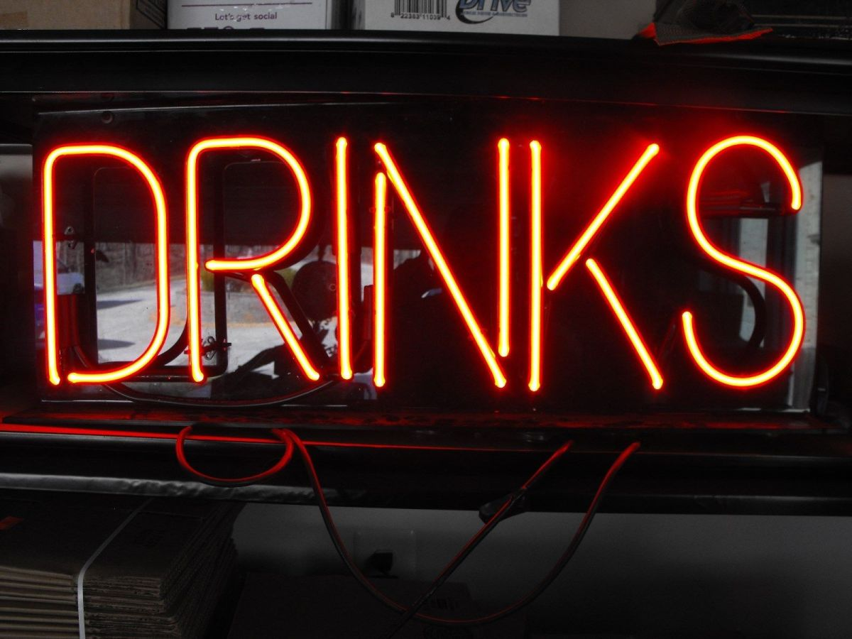 Neon Drinks Sign 30″x12″ – Wishes And Horses And Other